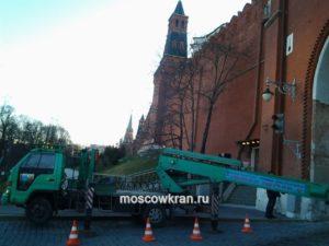 Работа автовышки на Красной Площади