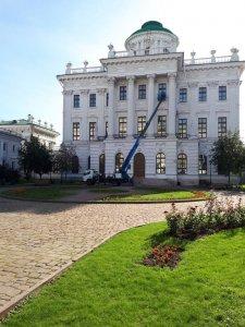 Работа у памятника архитектуры