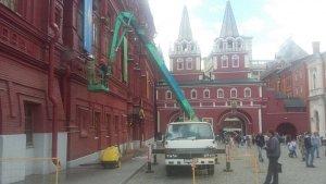 Автовышка коленчатая на Красной Площади