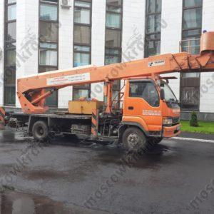 Автовышка 32 метра Isuzu , люлька 1,2 х 0,9 м . Аренда в Москве 12000 р/смена